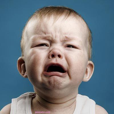 Ağlayan bebeğe ne yapmalı